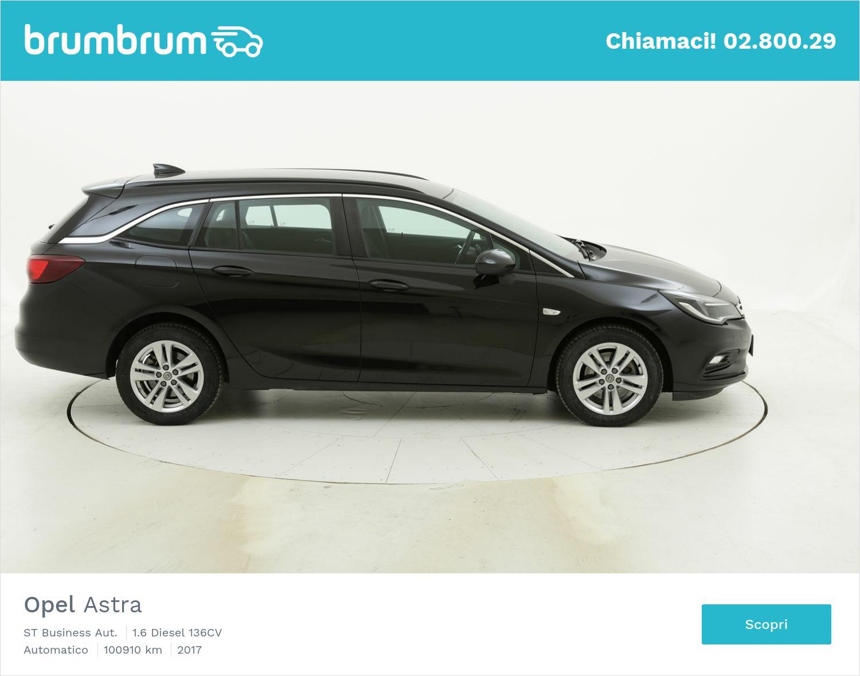 Opel Astra ST Business Aut. usata del 2017 con 101.101 km | brumbrum