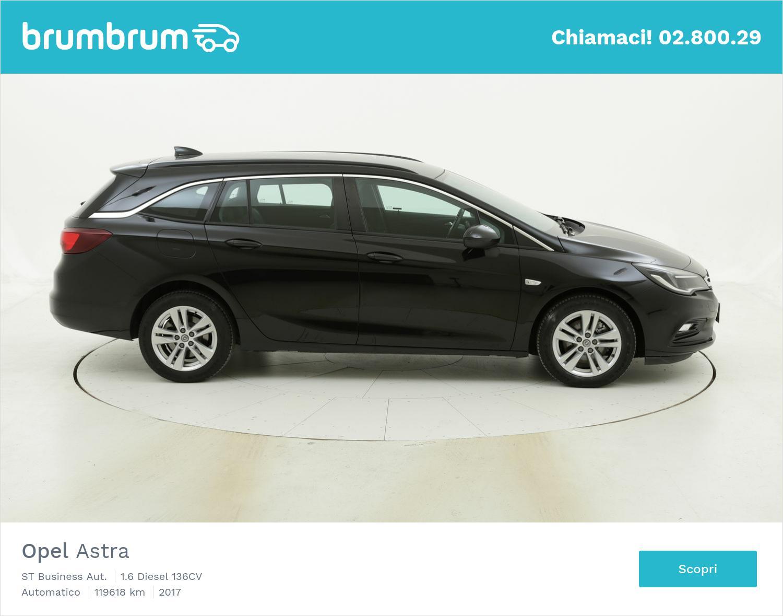 Opel Astra ST Business Aut. usata del 2017 con 120.280 km | brumbrum