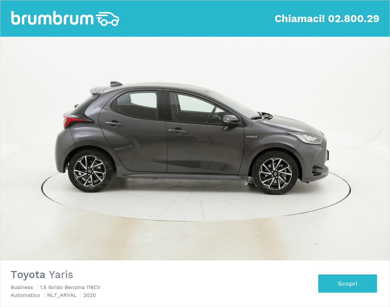 Noleggio lungo termine Toyota Yaris Hybrid | brumbrum