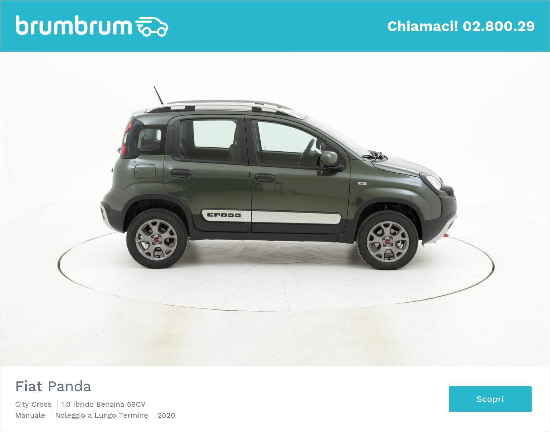 Fiat Panda ibrido benzina verde scura a noleggio a lungo termine | brumbrum