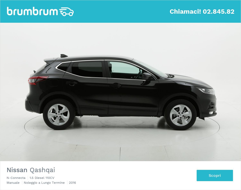 Nissan Qashqai diesel nera a noleggio a lungo termine | brumbrum