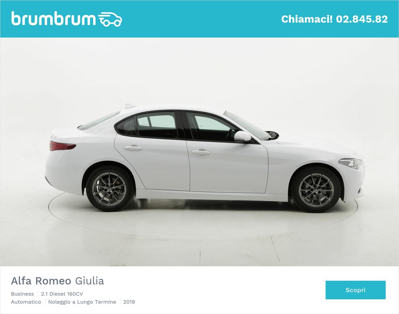 Alfa Romeo Giulia diesel bianca a noleggio a lungo termine | brumbrum