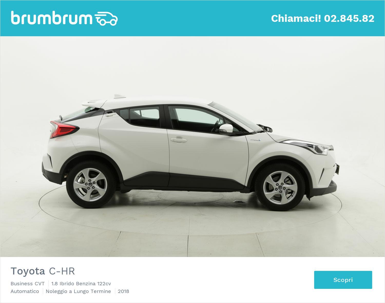 Toyota C-HR ibrido benzina bianca a noleggio a lungo termine | brumbrum
