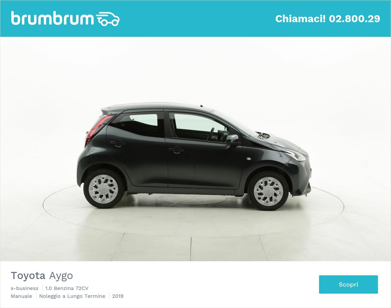 Toyota Aygo benzina antracite a noleggio a lungo termine | brumbrum
