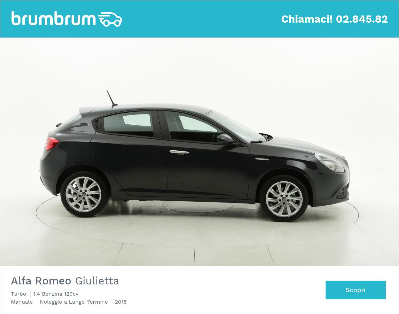 Alfa Romeo Giulietta benzina nera a noleggio a lungo termine | brumbrum