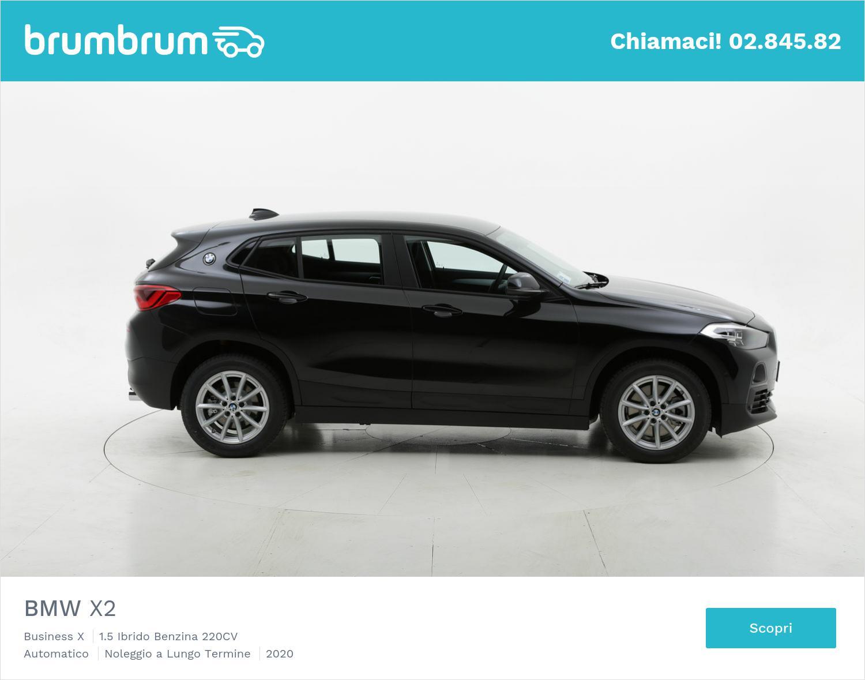 BMW X2 ibrido benzina nera a noleggio a lungo termine | brumbrum