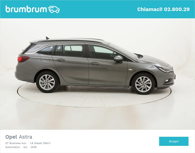 Opel Astra ST Business Aut. usata del 2018 con 98.677 km | brumbrum
