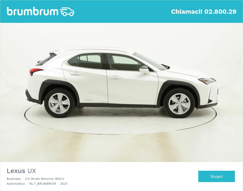Lexus UX noleggio lungo termine | brumbrum